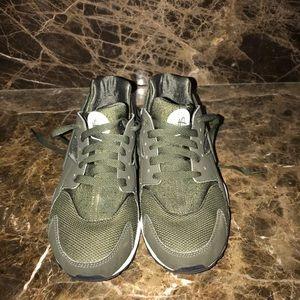 Olive Nike Huarache size 7